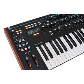 NOVATION SUMMIT synthesizer