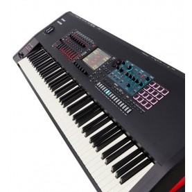 ROLAND FANTOM 8 workstation synth 88 touches