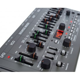 ROLAND SH01A synth boutique