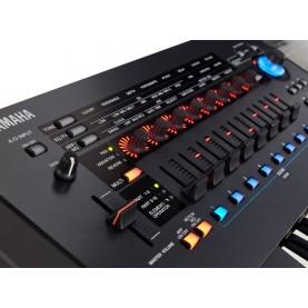 YAMAHA MONTAGE 6 synthesizer 61keys