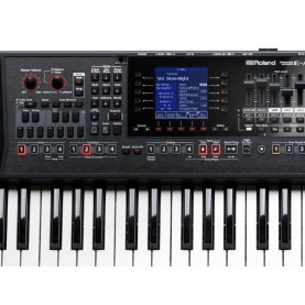 Roland EA7 arranger 61 keys